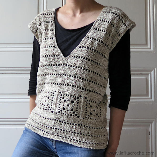 Top sans manches au crochet