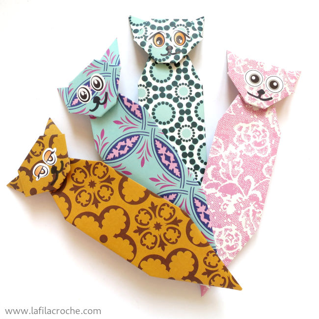 Marque-page chat en origami traditionnel