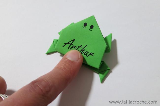 marque place grenouilles sauteuses en origami la filacroche. Black Bedroom Furniture Sets. Home Design Ideas