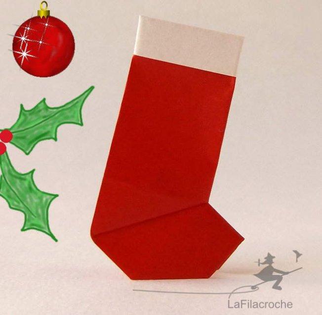 Botte de p re no l en origami guirlande la filacroche - Botte de noel ...