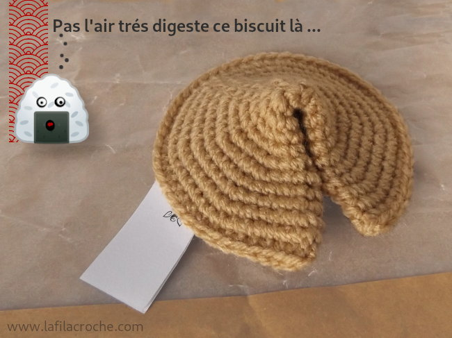 Faux biscuit chinois au crochet