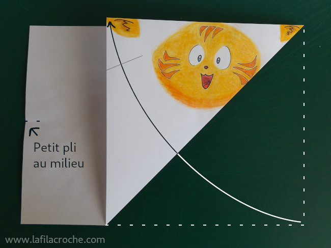 Pliage chat origami étape 2